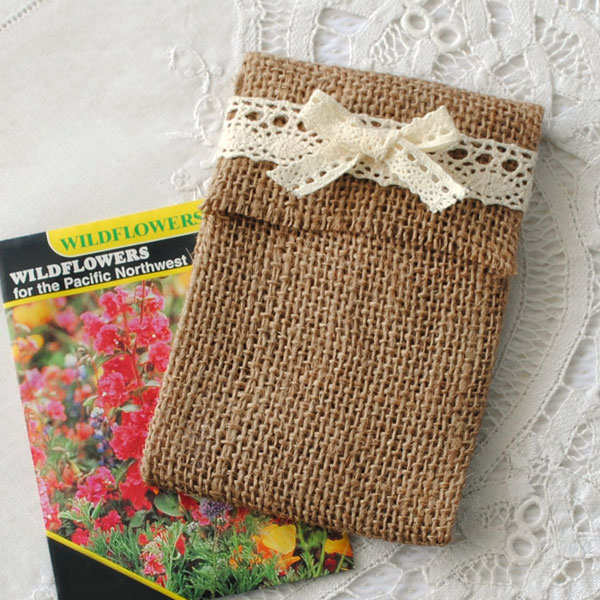 Step by step instructions show how to make this burlap envelope.
