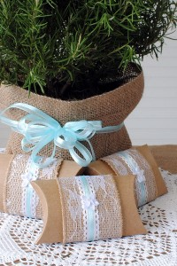 Burlap and Lace Party Favors – Three DIY Projects