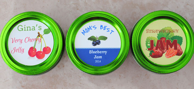 Three circle stickers for jams and jellies.