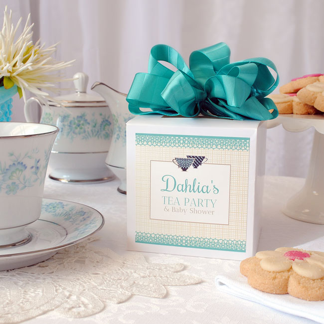 Tea-party-table-setting-with-square-label