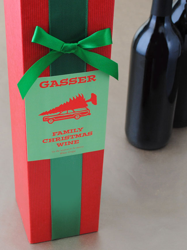 Make a holiday wine label for your homemade wine.