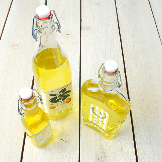 Limoncello-bottles-with-custom-labels