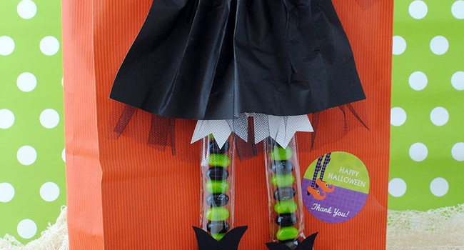 How to Make This Witchy Halloween Treat Bag